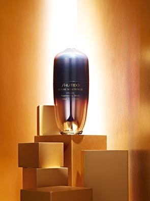 Shiseido - Future Solution LX Ultimate Regenerating Serum