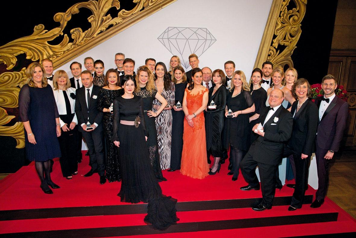 Die Preisträger des Prix de Beauté 2016 mit ihren Gastgebern.